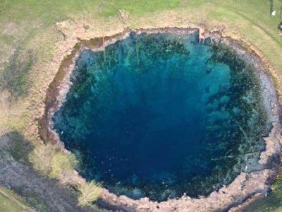 Дайверам запретили погружаться в Голубое озеро