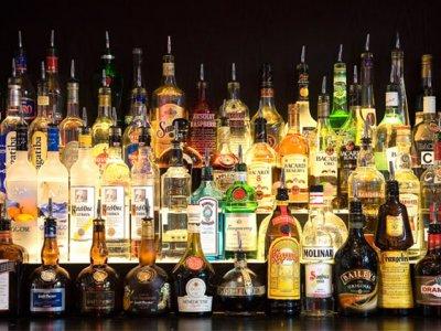 С 1 июля алкогольные напитки крепостью более 28 градусов подорожают на 30 процентов